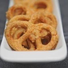 Appetizer Recipes, Appetizers, Onion Rings, Feta, Good Food, Food And Drink, Ethnic Recipes, Diy, Bricolage