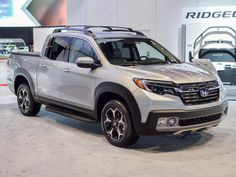 2017 Honda Ridgeline\'s fuel economy trumps all other midsize pickups - Roadshow