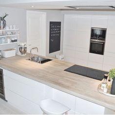 Kitchen Living, New Kitchen, Kitchen White, Island Kitchen, Kitchen Interior, Kitchen Decor, Elegant Kitchens, Küchen Design, Home Kitchens