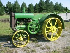1925 John Deere Spoker D Tractor. I want this in my front yard!