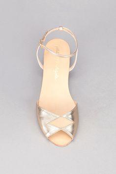 Sandales dorées et beige cuir Fidji Doré Petite Mendigote sur MonShowroom.com