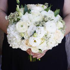 Gorgeous white bridal bouquet | LILLA BELLO