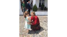 Las fotos de la reina Máxima con Mauricio Macri, Juliana Awada y Antonia  La reina Máxima saluda a Antonia. Foto: Presidencia