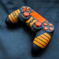 See custom video game controllers for Xbox One and PlayStation 4 consoles with beautifully detailed long-lasting designs. Ps4 Controller Custom, Xbox One Controller, Gamer Setup, Gaming Room Setup, Control Ps4, Boys Game Room, Ps Wallpaper, Roblox Gifts, Mundo Dos Games