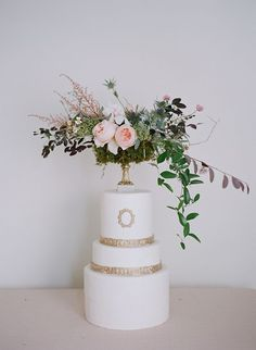 Inspiring Wedding Cakes with the Prettiest Details - MODwedding