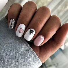 Semi-permanent varnish, false nails, patches: which manicure to choose? - My Nails Aycrlic Nails, Nail Manicure, Cute Nails, Coffin Nails, Gradient Nails, Manicure Ideas, Holographic Nails, Toenails, Stiletto Nails