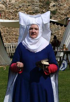 Christine de Pizan style 'Attor de Gibet' Headdress in Fine White Linen