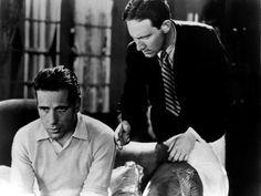 JOHN FORD 10 - Durante la década de los 20 y los 30, en pleno cambio del cine mudo al sonoro, John Ford continuó trabajando sin parar, dirigiendo hasta cinco películas en un mismo año - eran más cortas, era cine mudo, pero era mucho trabajo -. En esta época dirigió por primera vez a John Wayne en '¡Madre mía!' (1928), donde ejerció de extra y quedó fichado para siempre. Humphrey Bogart y Spencer Tracy debutaron en 1930 bajo sus órdenes en 'Río arriba'