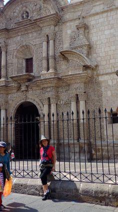IGLESIA DE LA COMPAÑIA- AREQUIPA-PERU Quizas una de las mas altas expresiones de la arquitectura  barroca mestiza en Lationamerica s XVI-XVII