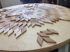 Diseños de mesas con madera reciclada.