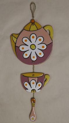 ceramica come mestiere: Teiere decorative da parete.