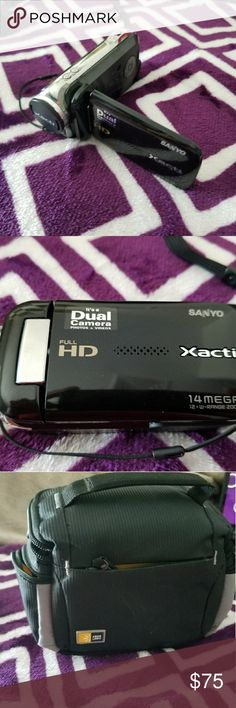 Video camera Small hand held video camera with case , extra battery, and all required cords. sanyo Other