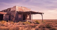 Abandoned Gas Station In Desert - Art Print Fallout New Vegas, Abandoned Houses, Abandoned Places, Flux Rss, Ask The Dust, Vault Dweller, Wordpress, Desert Art, Thing 1