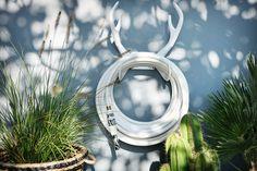 Nordic Blends: Garden Glory garden hoses: 20 metres of pure Scandinavian style Garden Hose, Garden Tools, Garden Ideas, White Reindeer, Hose Holder, Cheese Plant, Spider Plants, Foliage Plants, Plant Needs