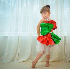 Petite fille robe en papier