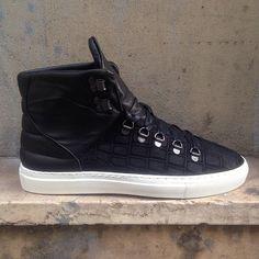 #Baskets noires #semellesblanches #mode #homme #shoes #blackrainbow