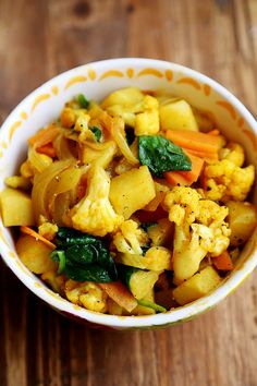 Potato and Cauliflower Curry Stir Fry - Recipes, Starch Foods, Vegetables - Divine Healthy Food