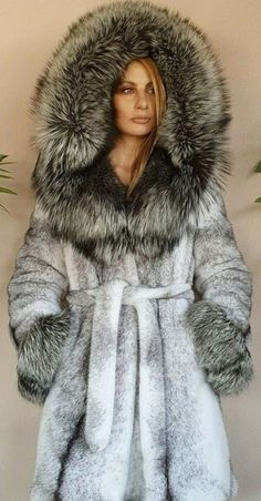 Fox Fur Coat, Ice Queen, Mink Fur, Fur Fashion, Collar And Cuff, Fur Collars, Fur Trim, Mantel, Hoods