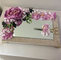 Idea for shabby chic tray. :) Idea for shabby chic tray. :) Idea for shabby chic tray. Diy Embroidery, Embroidery Designs, Wedding Crafts, Diy Wedding, Shabby Chic Tray, Decorated Gift Bags, Marriage Decoration, Ring Holder Wedding, Engagement Decorations