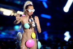 "Miley Cyrus had promised an MTV VMAs that would be ""psychedelic"" and ""raw"": Well, she got it half-right. Every utterance, every piece of clothing, every note delivered in song, bespoke a performer who has decided that the most surprising thing she could do at this point would be to express admiration"