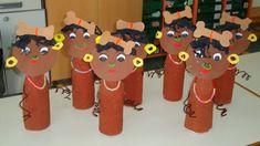 Decoração para o dia do índio na Escola - Ideias de painel   Toda Atual African Crafts Kids, Kids Crafts, African Art Projects, Fun Arts And Crafts, Winter Crafts For Kids, Summer Crafts, Art For Kids, Toilet Paper Roll Crafts, Paper Crafts