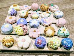 Handcrafted wagashi style soap Vegan Soap, Manuka Honey, Shampoo Bar, Handmade Soaps, Mini Cupcakes, Natural, Desserts, Food, Style