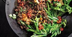 274 cal - This fast, low-fat stir-fry features lean beef mince cooked in sweet pineapple juice and oyster sauce for rich umami flavour. Low Calorie Recipes, Diet Recipes, Cooking Recipes, Healthy Recipes, Easy Recipes, Recipes Dinner, Beef Mince Recipes, Mince Meals, Mince Dishes