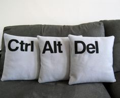 too bad tech support doesn't have a sofa in his office - I would so make these...well, a mac version of these!