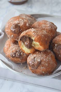 Amazing Cinnamon Sugar Donuts stuffed/ filled with Nutella is such a great treat for Breakfast / Dessert that you will keep going for seconds. Delicious Cinnamon Sugar Donuts - easy and best recipe to try. Nutella Recipes, Donut Recipes, Baking Recipes, Dessert Recipes, Desserts, Delicious Donuts, Most Delicious Recipe, Yummy Food, Nutella Donuts