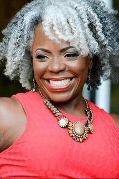 Amazing Gray Hairstyles We Love Salt and pepper gray hair. Gray hair don't care. - Station Of Colored Hairs New Black Hairstyles, African Natural Hairstyles, Great Hairstyles, Scene Hairstyles, Hairstyles Men, Weave Hairstyles, Haircuts, Silver Grey Hair, White Hair