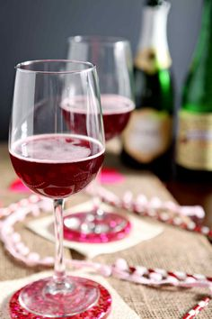 Pop the bubbly and mix up a delightful Framboise Champagne Cocktail tonight! This twist on classic beer cocktail features raspberry beer and champagne.