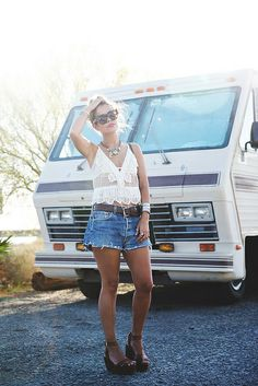 Arizona-Vintage_Top-Plumeti-Levis-Shorts-Outfit-Road_TRip-California-Travels-15 by collagevintageblog, via Flickr