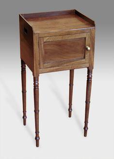 George IV faded mahogany pot cupboard. Circa: 1825