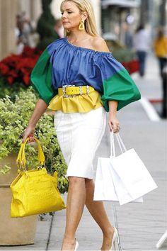 Love this outfit on Kim Cattrall (as Samantha Jones) Peplum Outfit, Samantha Jones, Kim Cattrall, Look Fashion, Womens Fashion, City Fashion, Skirt Fashion, Fashion Photo, Street Fashion