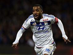 Lyon president wants to keep Alexandre Lacazette #TransferTalk #Lyon #Football