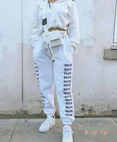 Timeless Black and White Outfits - Fashion Moda 2019 Chill Outfits, Sporty Outfits, Swag Outfits, Mode Outfits, Cute Casual Outfits, Fashion Outfits, Black Outfits, Woman Outfits, Fall Fashion