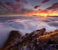 Norwegian Landscapes sunrise in Senja Island. Photography by Андрей Базанов See Translation