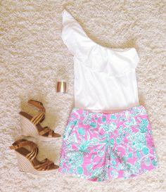 pinkandgreenlivingthedream:  Outfit idea   Top-Lilly Pulitzer Shorts-Lilly Pulitzer (scorpion bowl) Cuff- Francesca's