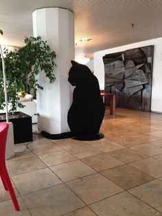 The Giant Cat of Gulliver Island  in Carnaby Store - Lissone