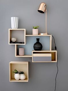 Eye-Opening Cool Tips: Floating Shelf Decor Kitchen long floating shelves sinks.Floating Shelves Above Couch Farmhouse wooden floating shelves kitchen.Floating Shelves Above Couch Farmhouse. Spring Interiors, Geometric Furniture, Room Decor, House Interior, Interior Inspiration, Diy Home Decor, Home Diy, Home Decor, Furniture Design