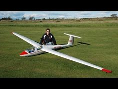 Phoenix Model | ASK-21 1/2.5 Scale RC Glider.   Watch the video of this bird in action.