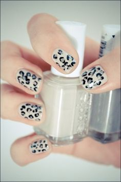 Oh la la! Love these edgy leopard print nails! Click to see how to get this look!