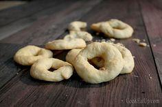 Αλμυρά κρικάκια Cookie Dough Pie, Food Menu, Bagel, Family Meals, Favorite Recipes, Bread, Cookies, Greek Beauty, Entertaining