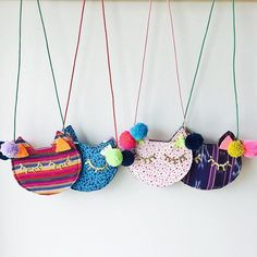 GAIA kitty purses are made from vintage + repurposed fabric by resettled refugee women living in Dal Diy Sac, Cat Purse, Sewing Machine Accessories, Diy Bags Purses, Boho Bags, Girls Bags, Love Sewing, Little Bag, Cute Bags