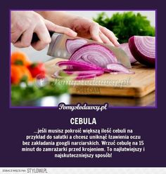 PROSTY SPOSÓB NA KROJENIE CEBULI BEZ URONIENIA ANI JEDN… na Stylowi.pl Pam Pam, Good Advice, Kitchen Hacks, Good To Know, Fun Facts, Diy And Crafts, Life Hacks, Remedies, Cooking