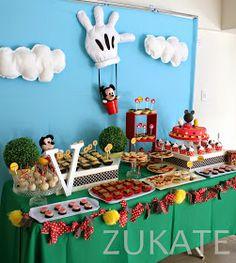 Llegó el día del cumple de Valen! Todos los niños pequeños adoran a Mickey Mouse y las historias que él vive junto a sus amigos en su casa....