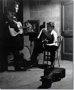 May Dayton, Ohio. Elvis Presley with Scotty Moore backstage at the University of Dayton field house Elvis Presley, Priscilla Presley, University Of Dayton, Dayton Ohio, Rare Elvis Photos, Scotty Moore, Marvin, Young Elvis, King Of Music