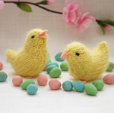 Free Knitting Pattern for Spring Chick Toy - Easy bird toy pattern by Barbara Prime of Fuzzy Knits. Pictured birds in DK yarn are 7.5 cm long but size can be adapted with different yarn weights. Great for Easter baskets!