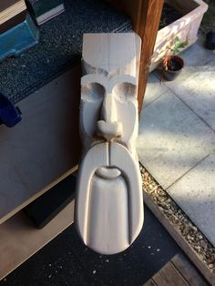Long faced wood spirit, carved in bass wood, started. Long faced wood spirit, carved in bass wood, started. Wood Carving Faces, Dremel Wood Carving, Wood Carving Designs, Wood Carving Patterns, Wood Carving Art, Stone Carving, Diy Wood Projects, Wood Crafts, Tiki Head