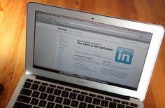 Cómo ser invisible para los colegas en LinkedIn | eHow en Español